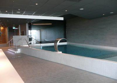 Badbassäng i äventyrsbadet kokpunkten