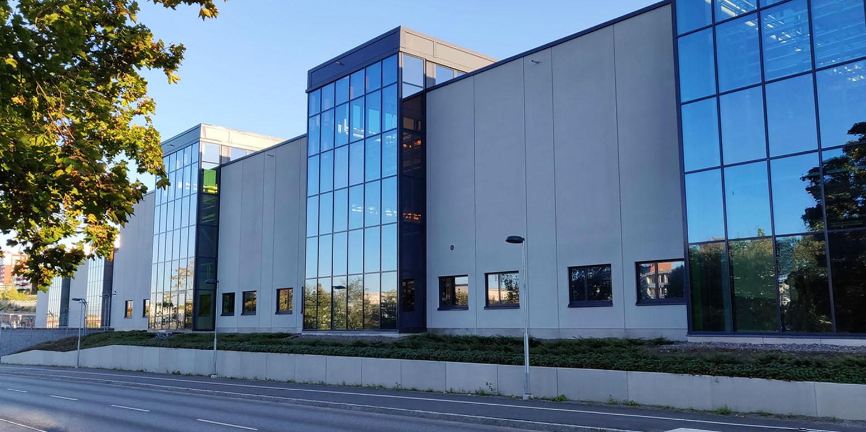 Norsborgsdepån fasad med glaspartier
