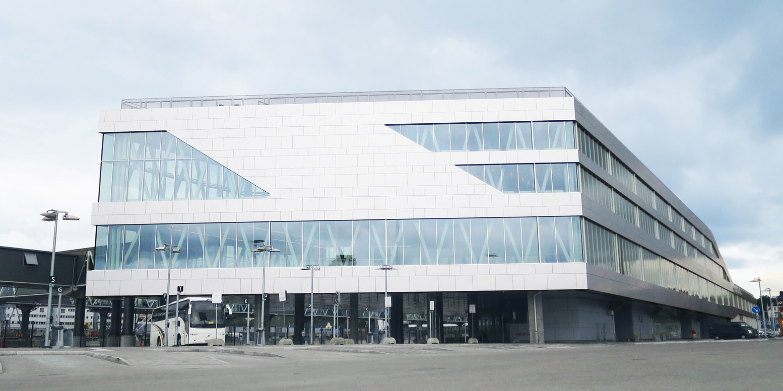 Fasaden på Värtaterminalen